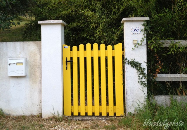 photo_25_yellow_gate