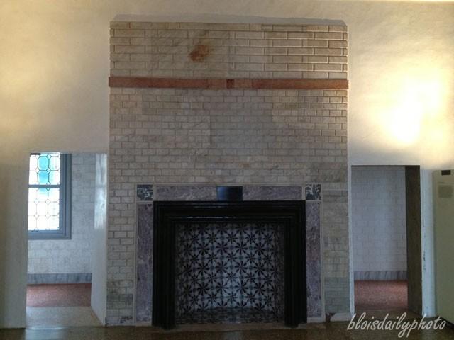photo_121_venetian_fireplace