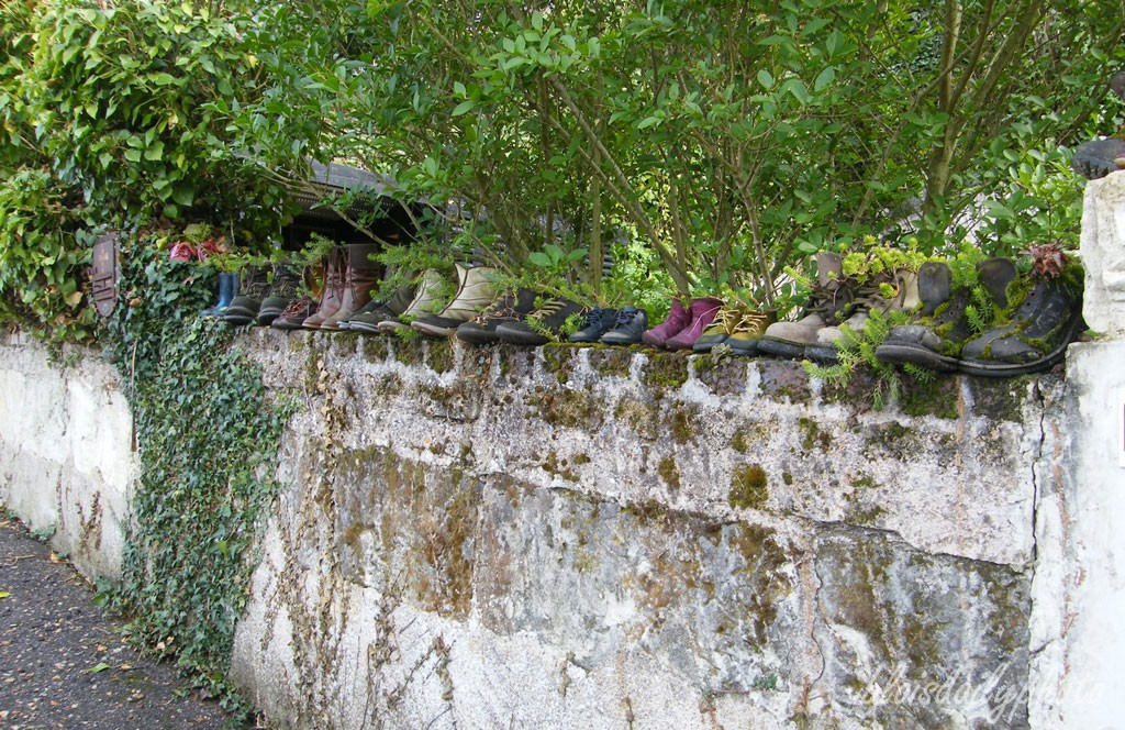 photo_272_shoe_wall