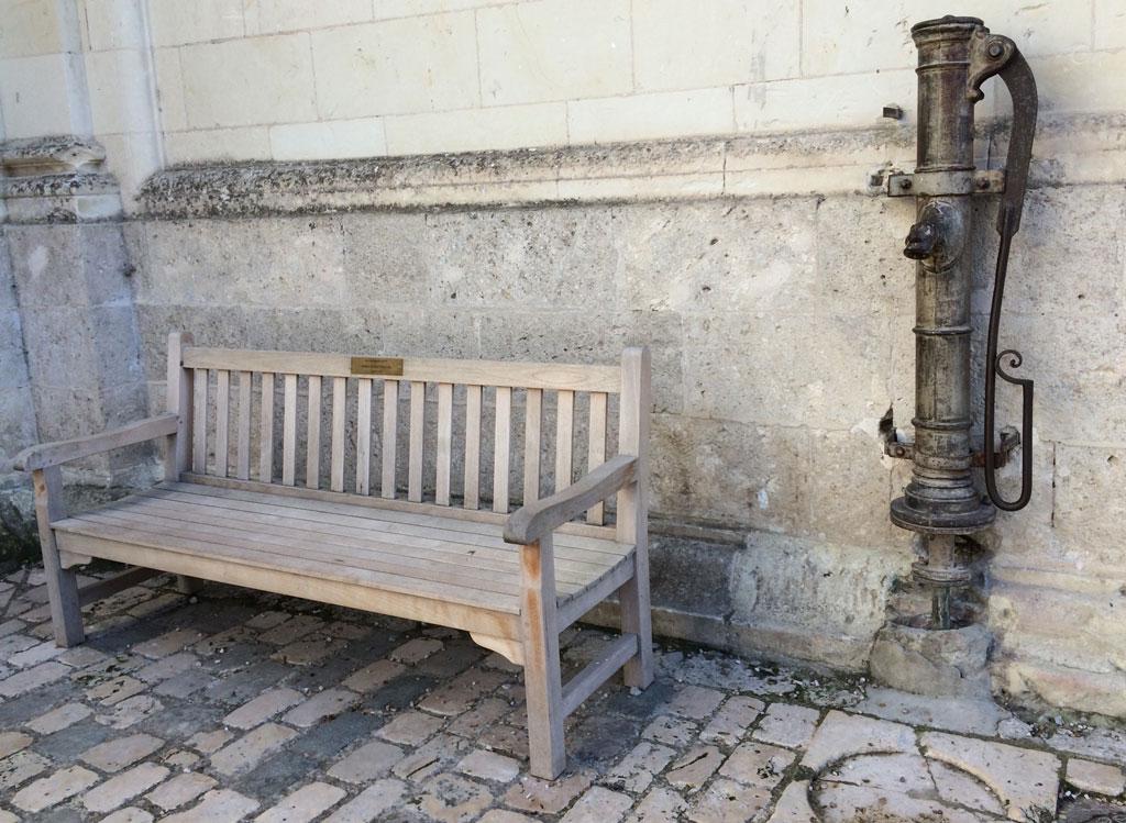 photo_325_corner_bench